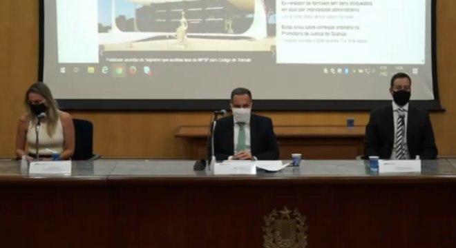 Procurador Mario Sarrubbo (ao centro) diz que 'probidade é fundamental' na pandemia