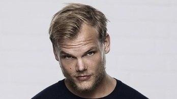 __Avicii, influente DJ e produtor sueco, é achado morto aos 28 anos__ (Tenho Mais Discos Que Amigos)