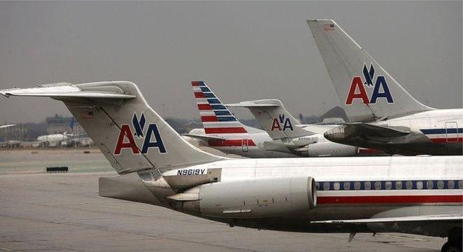 """Tisha Rowe disse que se sentiu """"vigiada por ser negra"""" no voo da American Airlines"""