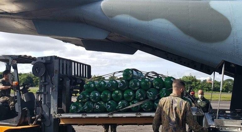 Fabricante busca nos EUA avião para levar carreta de oxigênio para Manaus