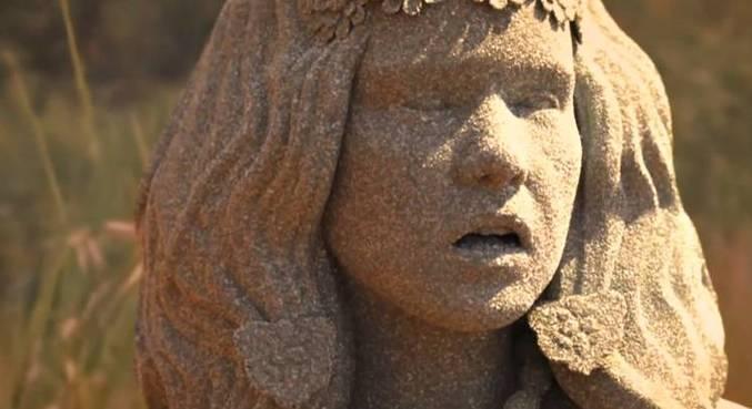 Ayla se transformou em uma estátua de sal em Gênesis