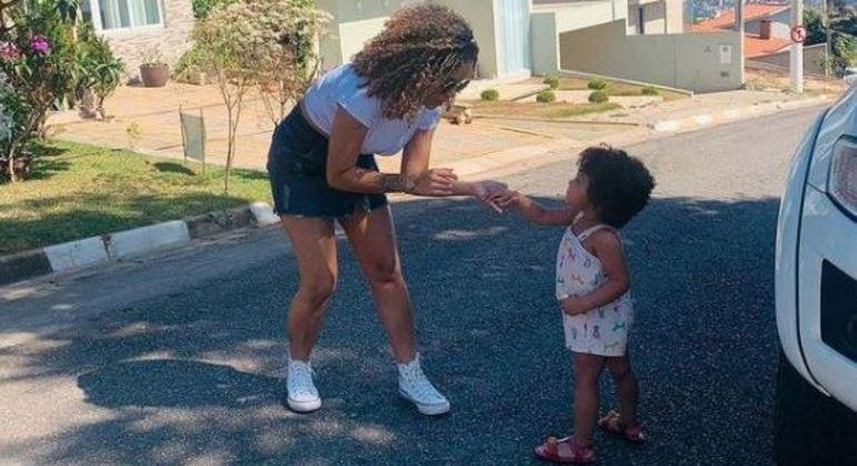Ayla Ribeiro, de apenas 2 anos, morreu após a colisão entre três carros em Cajamar