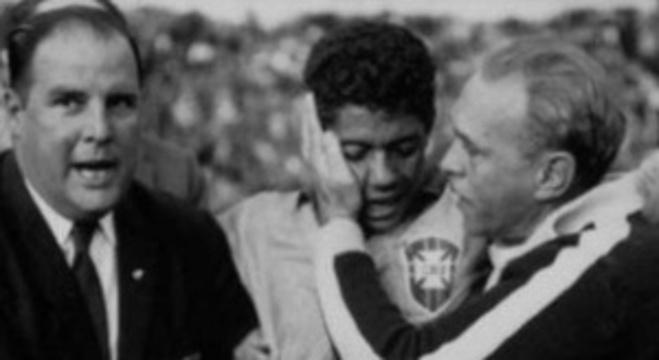 Chile/62: Aymoré, com o Dr. Hilton Gosling e Amarildo