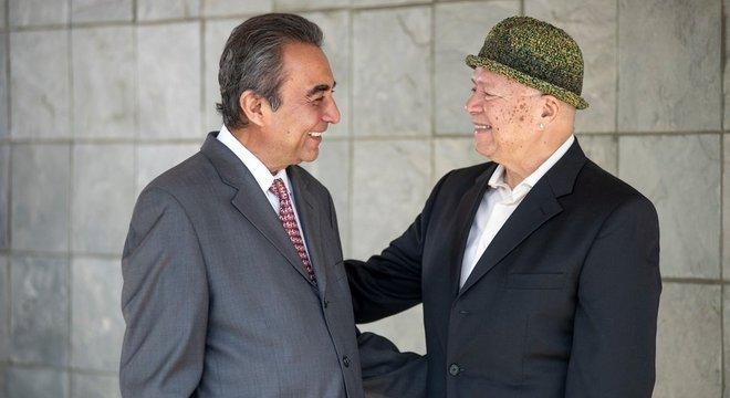 Azim Khamisa e Ples Felix são hoje grandes amigos