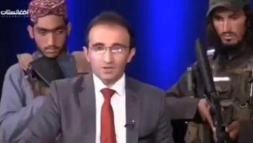 TV afegã grava programa com membros do Talibã armados no estúdio