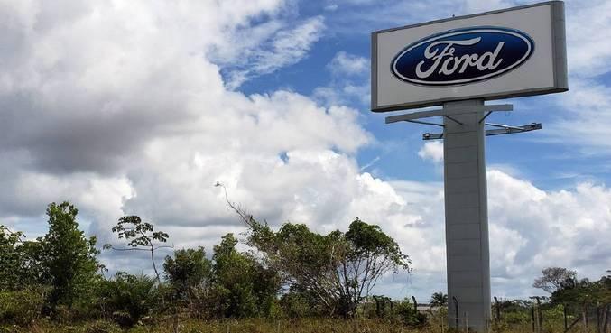 Pátio da Ford na cidade de Camaçari, a cerca de 50 km da capital, Salvador (BA)