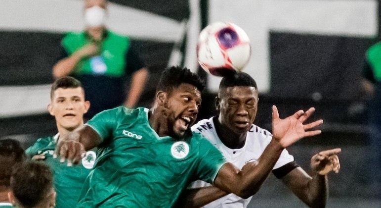 Referência do ataque do Botafogo, Matheus Babi foi muito marcado