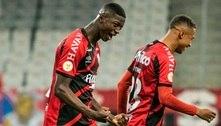 Athletico-PR bate o Fortaleza e assume a liderança do Brasileirão