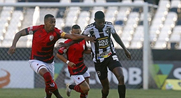 Matheus Babi bem que tentou, mas não evitou novo tropeço do Botafogo