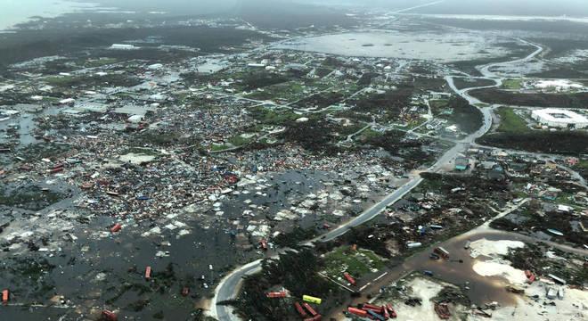 Imagens aéreas de Bahamas mostram devastação após passagem de furacão