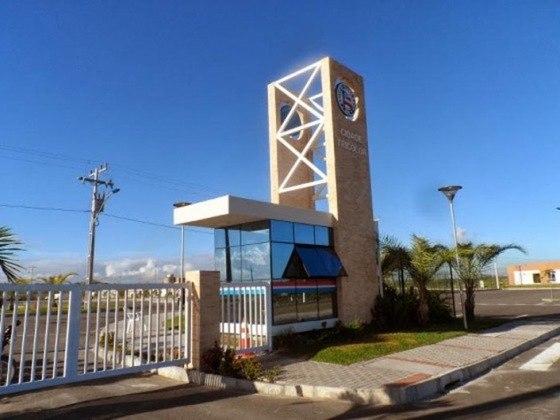 Bahia - CT Evaristo de Macedo: Também conhecido como Cidade Tricolor, homenageia o técnico campeão brasileiro em 1988.