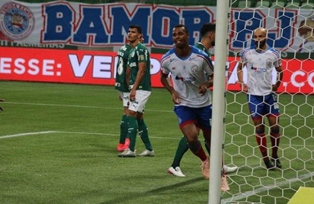 BAHIA: O Bahia foi melhor do que o Palmeiras em grande parte da partida e pagou o preço da derrota por não aproveitar as oportunidades criadas, especialmente no primeiro tempo. Ataque veloz deu trabalho para a desfigurada zaga alviverde.