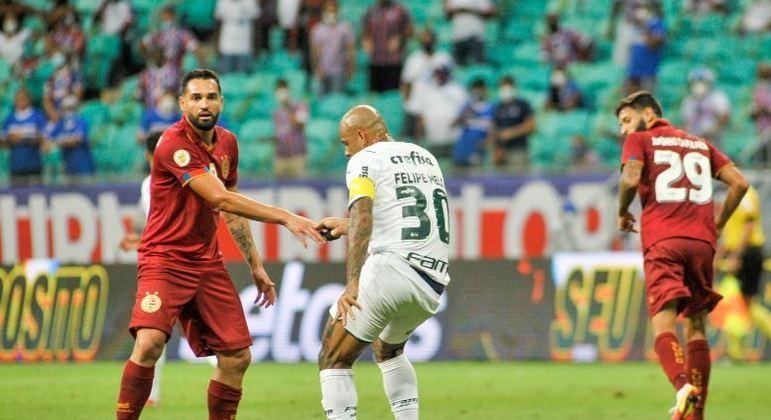 Bahia e Palmeiras se enfrentaram na noite desta terça-feira (12), em Salvador