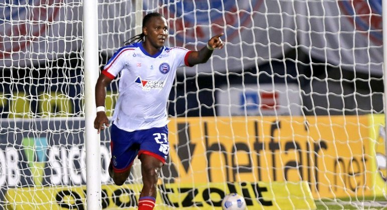 Rodallega fez o gol do Bahia contra o Bragantino