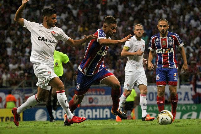 Bahia vence o Vitória e reverte vantagem na final de campeonato - Fotos -  R7 Bahia ac1ffe49db5e9