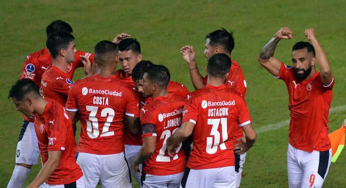 Bahia e Independiente empataram por 2 a 2 no Pituaçu, pela Sul-Americana