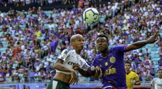 Palmeiras e Bahia empatam por 1 a 1 na Arena Fonte Nova