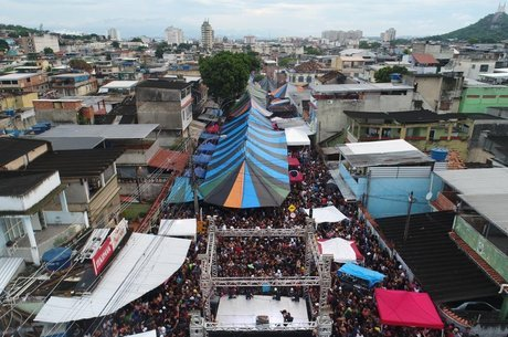 Vista aérea do Baile da Gaiola, no Rio