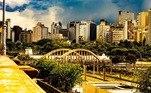 Também na região Leste da capital, está a rua Sapucaí, no bairro Floresta, conhecida pela noite boêmia. Do local é possível ver o Viaduto Santa Tereza, um dos mais conhecidos de BH