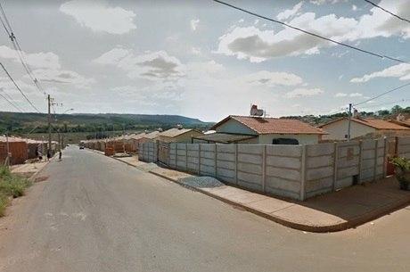 Bairro tem casas populares em Patos de Minas (MG)