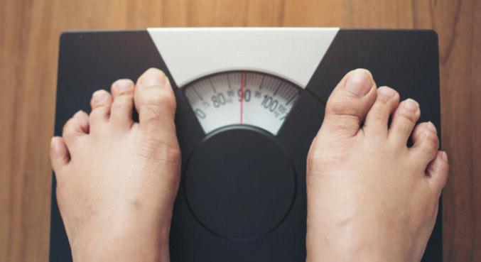 Excesso de peso eleva risco de doenças crônicas, como hipertensão e diabetes