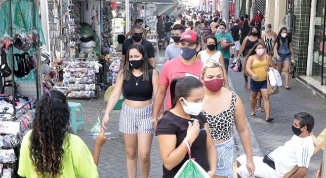 Fortaleza tem sábado movimentado após retomada gradual de atividades