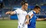 Na penúltima posição deste ranking está o galês Gareth Bale, recebendo a bagatela anual de 32 milhões de dólares (R$ 177 milhões)