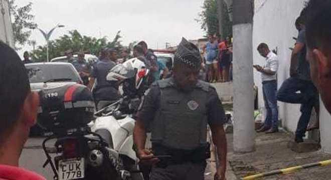 Quatro homens são baleados em suposto confronto com a PM