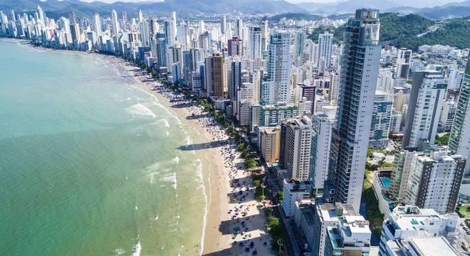 Apartamento de 65 m² no Brasil sai por, em média, R$ 466 mil