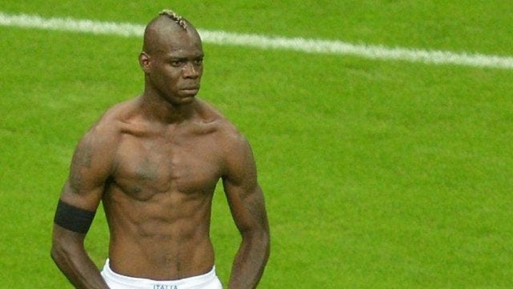 Balotelli fez o segundo gol da Itália...