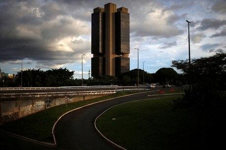Senadores querem mais funções ao Banco Central