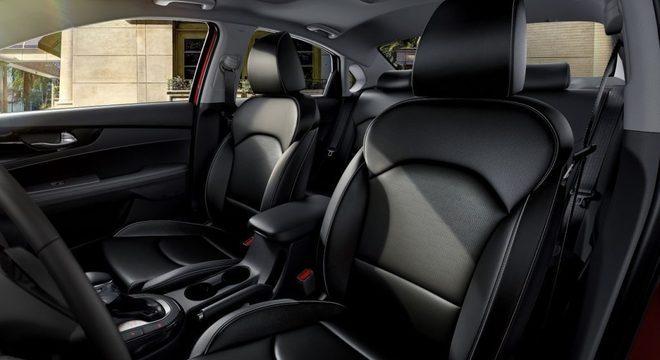 Bancos em couro e seis airbags: conforte e segurança no novo Kia Cerato 2.0