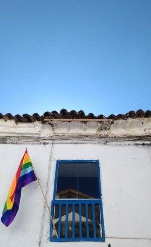 Apesar da bandeira, a população de Cusco é bastante conservadora e algumas pessoas reclamam da confusão