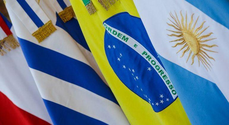 Paraguai e Uruguai também precisarão aprovar acordo feito por Brasil e Argentina