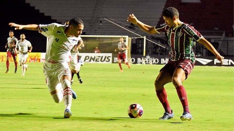 Bangu: sobe - Paulo Henrique: o goleiro se estacou com boas defesas, principalmente no primeiro tempo. Desce - Ataque: Em quatro partidas no Carioca, o Bangu mostrou um ataque pouco produtivo. Ao todo, só fez um gol na competição.