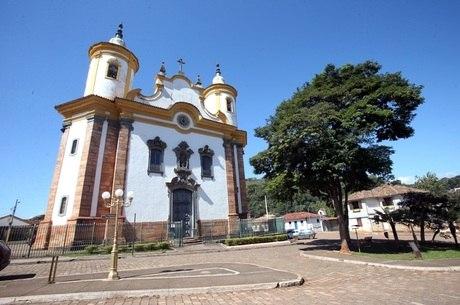 Vista da Igreja São João Batista, em Barão de Cocais