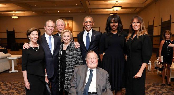 Melania Trump participou de velório junto com ex-presidentes e suas esposas
