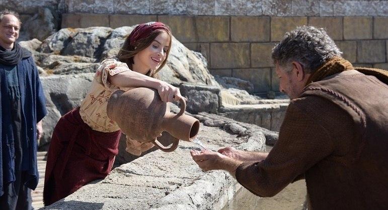 Rebeca foi escolhida por Deus para se casar com Isaque