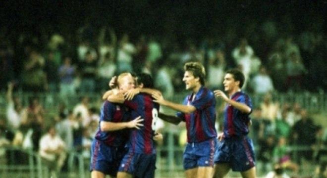 Barcelona dos anos 90 teve Koeman como um dos ídolos
