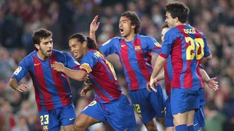 Barcelona - Sob o comando de Ronaldinho Gaúcho, a equipe catalã conquistou a Champions 2005/2006 sem perder, com 9 vitórias e 4 empates