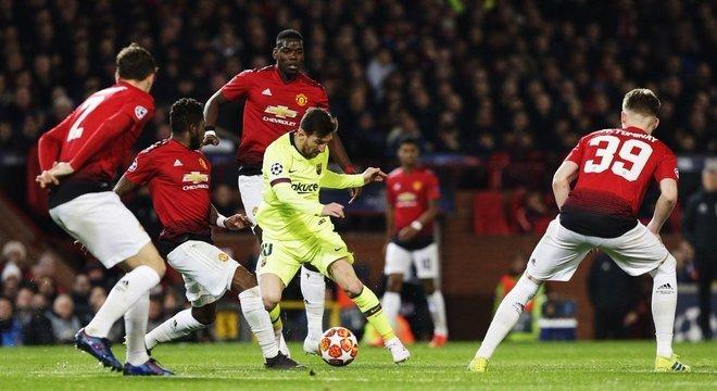Barcelona tem a vantagem do empate no Camp Nou