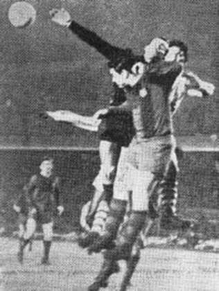 Barcelona x Bangu - 1 jogo - 1 vitória do Barcelona (1961 [foto]).