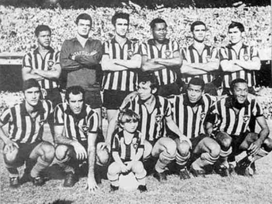 Barcelona x Botafogo - 8 jogos - 3 vitórias do Barcelona (1957, 1961 e 1978), 4 vitórias do Botafogo (1956, 1964, 1967 [foto] e 1988) e 1 empate (1957).