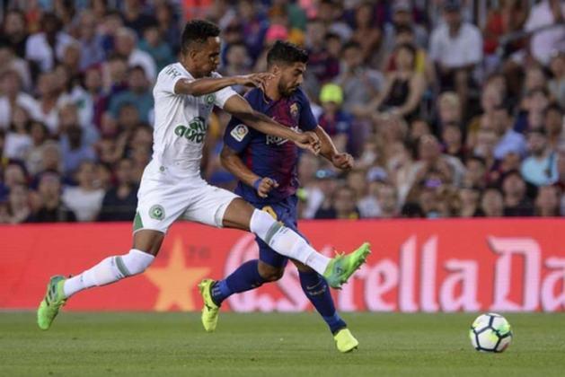 Barcelona x Chapecoense - 1 jogo - 1 vitória do Barcelona (2017 [foto]).