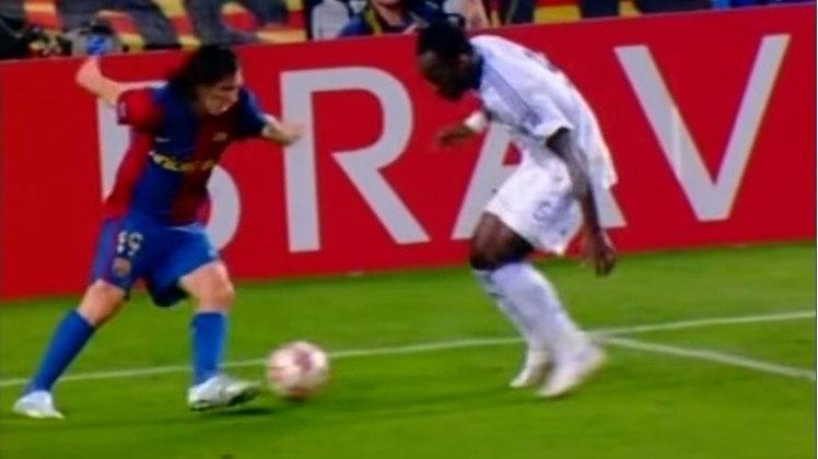 Barcelona x Chelsea - 2006/07 - Segundo no Grupo A - Uma derrota (1 x 0) e um empate (2 x 2) com o Chelsea