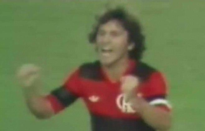 Barcelona x Flamengo - 4 jogos - 1 vitória do Barcelona (1968) e 3 vitórias do Flamengo (1962, 1967 e 1979 [foto]).
