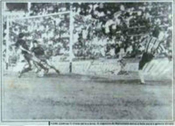 Barcelona x Grêmio - 1 jogo - 1 vitória do Grêmio (1985 [foto]).