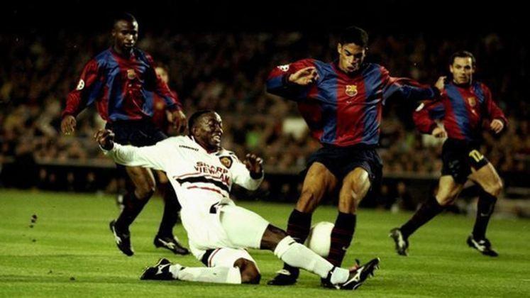 Barcelona x Manchester United - 1998/99 - Terceiro no Grupo D - Dois empates (3 x 3 e 3 x 3) com o Manchester United)