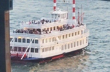 Cerca de 170 pessoas estavam no barco