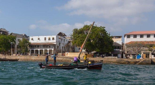 Diferente de outros locais históricos da costa da África oriental, Lamu é habitada continuamente há séculos